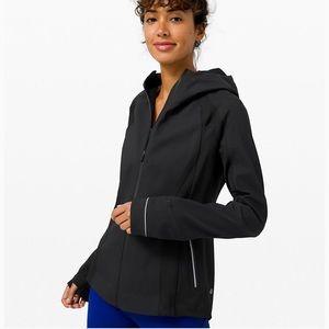 Lululemon cross chill soft shell hooded jacket 8